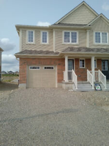 ***BRAND NEW END UNIT TOWNHOUSE FOR RENT***
