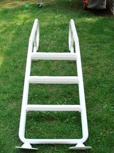 Olympic above ground pool ladder (Ladder pour piscine)