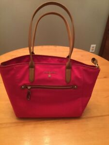 Authentic Michael Kors Pink Kelsey Bag brand new never used