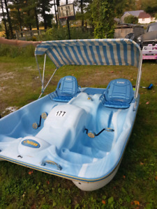 Pelican DLX 5 seater paddle boat