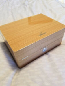 Omega watch box **MINT**