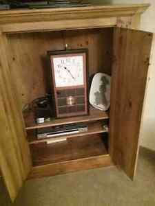 Pickled solid wooden Pine corner cupboard Kitchener / Waterloo Kitchener Area image 2