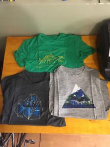 3 Icebreaker Mens Small T-Shirts