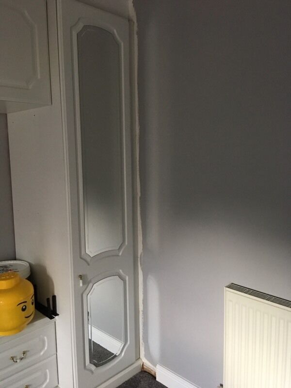 White Bedroom FurnitureDoors ONLYin Witham, EssexGumtree - White Bedroom Furniture Doors ONLYX2 single doors with mirrors (200cm x 44cm)X6 cupboard doors (48cm x 44cm)Great condition, no damage. Hinges still attached and have screws.Free. Pick up from Rivenhall, Witham