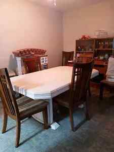 Pearl oak table with 6 chairs