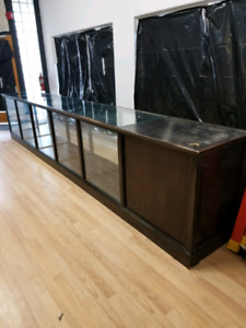 Store cabinet counter