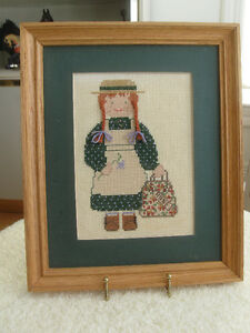 "QUAINT VINTAGE OAK-FRAMED ""ANNE-of -GREEN-GABLES"" NEEDLEWORK"