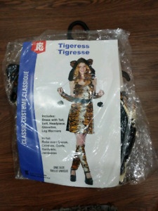 Women's Sexy Tigress Halloween Costume Tiger