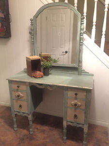 Pretty Refinished Vanity London Ontario image 1