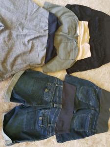 Small and medium maternity shorts