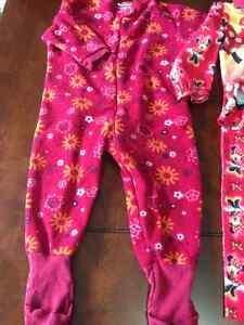 Girls sleepers/ pyjamas and adorable housecoat London Ontario image 5