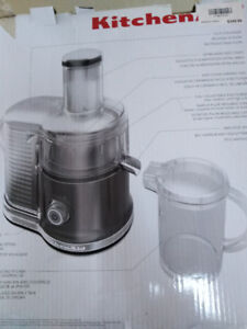 Brand NEW juice processor,original price is 400+ta,now only 100$