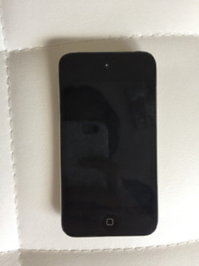IPod Touch 4th Gen with case (Hardly Ever Used)