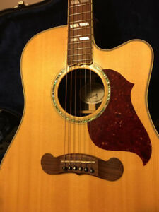Gibson Songwriter Deluxe Cutaway Acoustic/Electric
