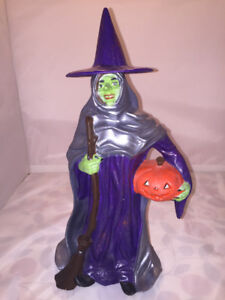 Very nice decorative ceramic witch, perfect for scary Halloween