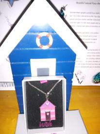 enamel painter beach hut necklace Pink