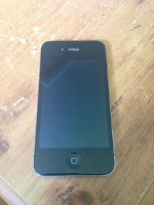 iPhone 4---40$ Good Condition
