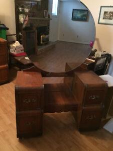 Retro/antique furniture