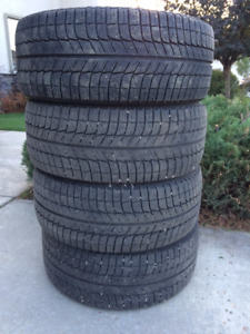 245 / 45R18 MICHELIN X-ICE  Winter Tire Set LIKE NEW