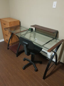 Glass desk for sale!! - $40 - 506-608-3122 - Downtown Halifax
