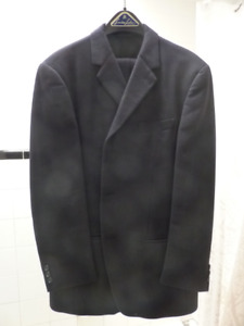Beau Smoking / Tuxedo / Habit noir (pantalon + veste)
