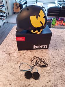 Bern Snowboarding Helmet inbuilt speakers