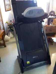 SEARS TREADMILL--GREAT CONDITION FULLY FUNCTION