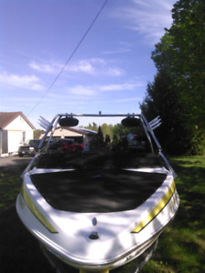 2006 Larson bow rider with tower
