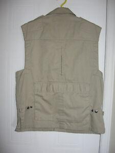 Tilley Vest of Many Pockets Gatineau Ottawa / Gatineau Area image 3