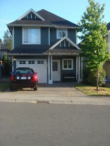 CLASSY NEWER HOUSE TO SHARE ,MUST VIEW THE PICTURES CLOSE TO RRU