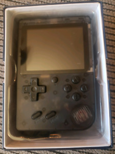 RETRO HANDHELD SYSTEM WITH 168 CLASSIC GAMES  BUILT IN