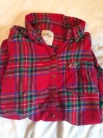 Cute Hollister blouse size S! Barely worn :)