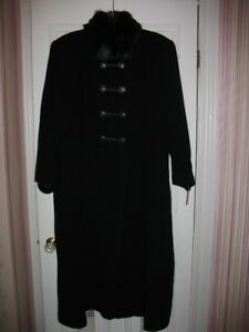WOMAN'S FULL LENGTH WOOL WINTER COAT