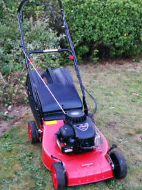 Champion self propelled petrol lawnmower (GREAT CONDITION)