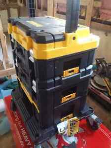 Dewalt 4 pc tool box with wheels