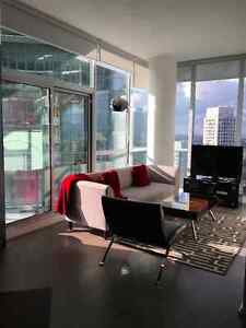 Available NOW: Furnished 1Bed/1Bath Penthouse: Walkscore =100!!