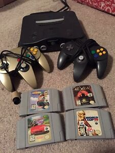 N64 for sale - 4 games, 2 controllers