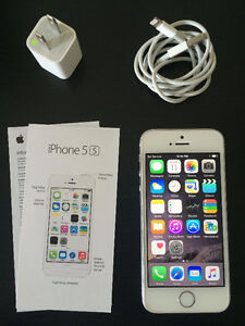 Gold iPhone 5s,16GB. Brand NEW Condition. TELUS/KOODO mobile