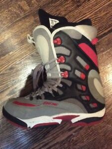 US11 Snowboarding Boots