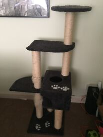 Large cat scratching post & other cat stuff