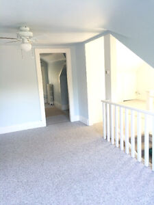 One bdrm apartment near Dal and Bus stops
