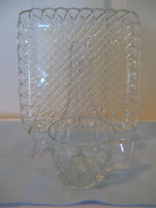 VINTAGE 2-PIECE BASKET-WEAVE CLEAR GLASS TEA TRAY & CUP