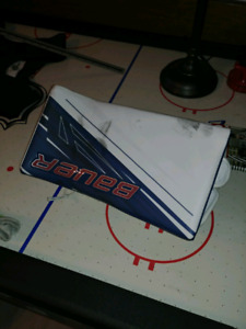Bauer 1S goalie blocker