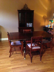 Table set and China cabinet