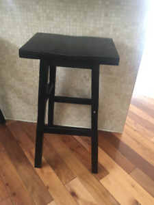 3 Black wooden Bar stools