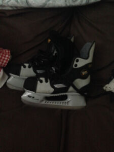 youth size 4 Bauer skates $30