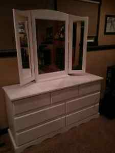 Solid Wood Dresser with Trifold Mirror