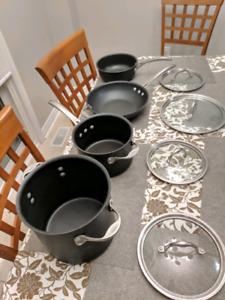 Calphalon 8 piece classic nonstick cookware set....Grey
