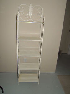 DECORATIVE WHITE SHELVES