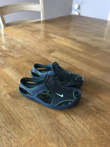 Kids Nike Sandals/Water Shoes !